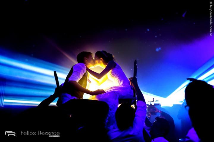 foto-beijo-noivos-casamento