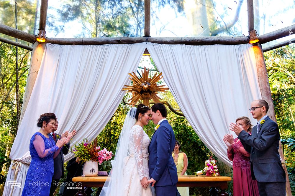 noivos-felizes-casamento